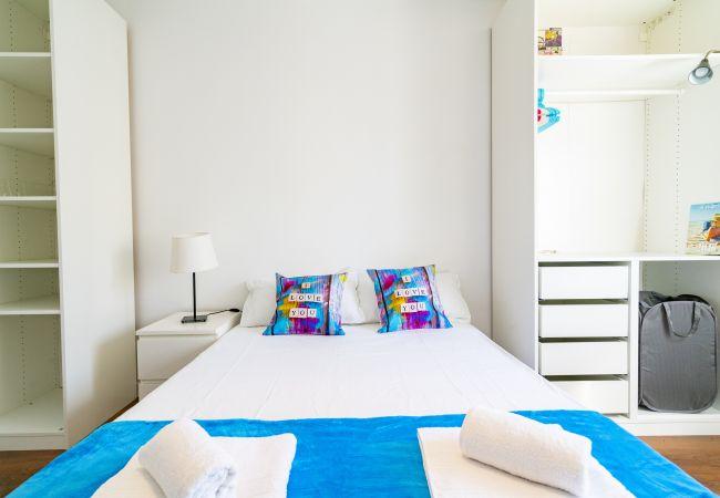 Apartment in Madrid - Madrid Downtown Palacio Vista Alegre-Puerta Bonita M (GRI196)