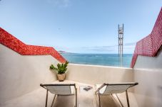 Apartment in Las Palmas de Gran Canaria - Front line, great sunsets, terrace with a sea views