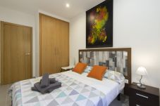 Apartment in Madrid - Luxe Apartment Madrid North Real Madrid Stadium HGA5