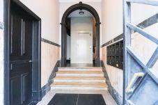 Apartment in Lisbon - MARQUES DE POMBAL DUPLEX W/ TERRACE