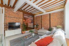 Apartment in Madrid - Apartment Madrid Centro Dos de Mayo Tribunal M (RIZ14)