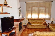 Cottage in Pla del Panadés - Rural House Terefi:Penedès vinyards views-6 bedroom-A/C,wifi included