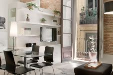 Апартаменты на Барселона / Barcelona - GOTHIC LOFT B of Barcelona