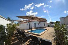 Villa i Miami Playa - Villa Azalees:Piscina privada en una propriedad de 500 m2-3HAB-Wifi,AC,ropa gratis-Cerca de la playa