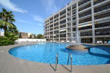 Lägenhet i Salou - MICHELANGELO 2:Playa y centro Salou-Atico-Piscina-Climatizado,wifi,Ropa GRATIS