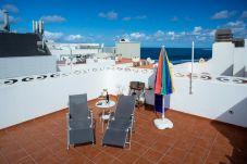 Lägenhet i Las Palmas de Gran Canaria - Penthouse on the beach &terrace By CanariasGetaway