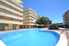 公寓 在 La Pineda - Paradise Park 2:Terrazas vista mar-Playa La Pineda-Piscina-A/C,parking gratis