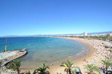 公寓 在 Salou - California Salou: Terraza-Centro turístico-Cerca playa-A/C gratis