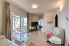 公寓 在 Bahia Feliz - Luxury apartment. Swimming pool by CanariasGetaway